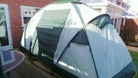 (New) 4 man dome tent