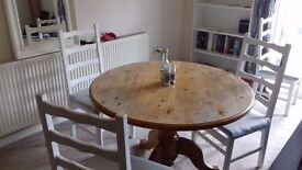 Sturdy, 4ft diameter round oak dining table