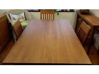 Solid Oak dining table & 6 chairs - excellent condition