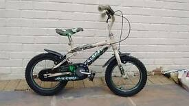 Child's bike 4-7 years old, Raleigh GI. Working well, some scratches!