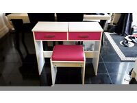 High gloss dressing table with stool. And matching draws both needs attention