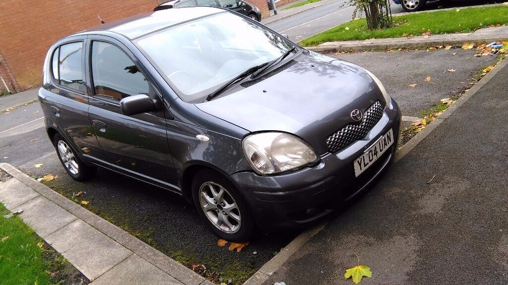 TOYOTA YARIS 1.2 colour collection ..£450 no offers