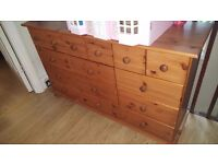 CHEST OF DRAWERS 15 X DRAWERS SOLD WOOD, GREAT CONDITION