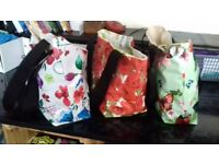 Hi for sale this beoutiful shopin bags .