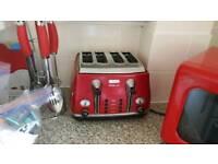 Delonghi red 4 slot toaster