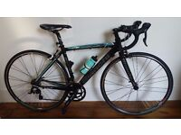 Bianchi Via Nirone 7 Road Bike (Excellent condition, hardly used)