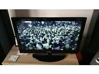 samsung 32in lcd tv { spares or repair} OPEN TO OFFERS
