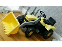 Kids pedal ride on tractor with hand operated movable scoop