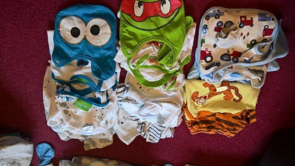 newborn to 1 month baby clothes sets pyjamas, bibs, mitts, hats matching sets for boy cute outfits