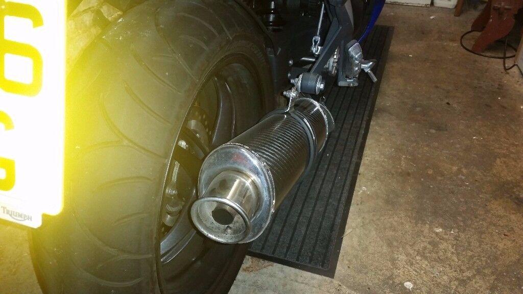 Triumph Sprint GT SE 10-16 SP Engineering Carbon Fibre Round end can