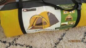Ozark/trail 2 person tent 1.7 m x 2.9 m