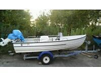 13 foot bonwhitco 375 fun/speed boat 25 horse Johnson electric start motor