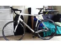 Giant road bike XL model CONTEND 2