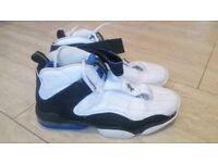 Nike Air Penny IV White/Black/Blue Size 9.5 UK