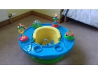Baby bumbo style seat with detachable activity table