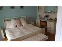King size bed & Dressing table like new!