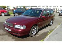 Volvo V70 Classic 2.5 Petrol Automatic W Reg (2000)