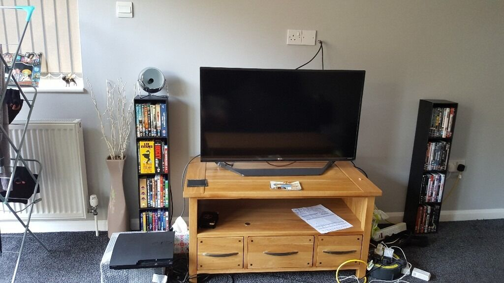 Oak Furniture Land Tv stand but can be used for many thingsin Kingswood, BristolGumtree - Oak Furniture Land TV stand in perfect condition, can be used for other things. Cash only