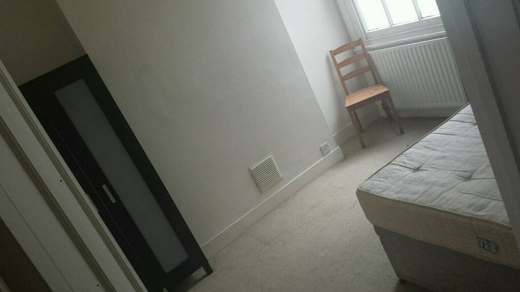 Large double room SW London