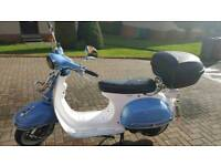 Modena 125 scooter