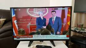 Philips 32 Inch HD with built in Freeview LED TV, Model 32PHH4100/88