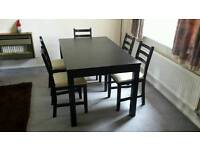 Extendable table (brown/black) + 5 chairs