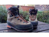 Salomon winter boots (size 10.5)