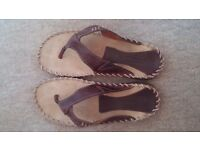 NEW Hush Puppies Leather Flip Flops Mens Sandals Beach Shoes Size 8