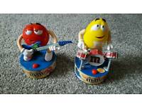 M and m moving figures