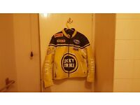 IMMACULATE LUCKY STRIKE LEATHER JACKET WITH REMOVABLE PROTECTION SIZE MEDIUM