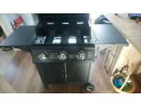 New Gas grill, 3 Burner Professional gas grill (Flame Master)please read description