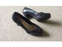 Black high heel court shoes size 6