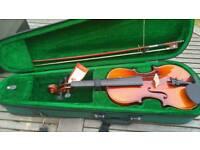 Antoni debut violin