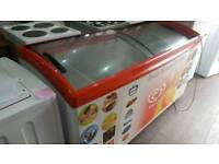 Ice cream box type freezer