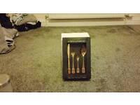 (New) bronze metal cutlery set