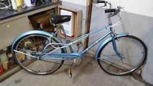 Vélo vintage ccm turismo bleu 3 vitesses roues 26po cadre 20pk