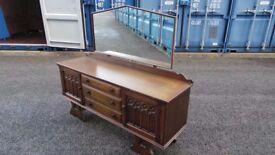 oak retro sideboard/dressing table can deliver 07989088223