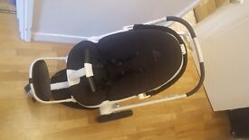 Quinny moodd - baby carrier and toddler seating attachments