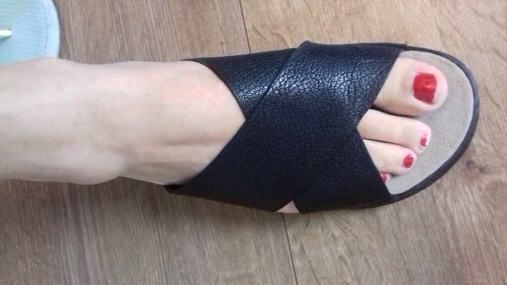 0cc7d17619ff69 Clarks Alderlake Lily sandals size 5.5 - 6