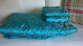 Kingsize quilt + 2 pillow cases