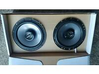 Pioneer digital radio with console & 135 JBL watt speakers