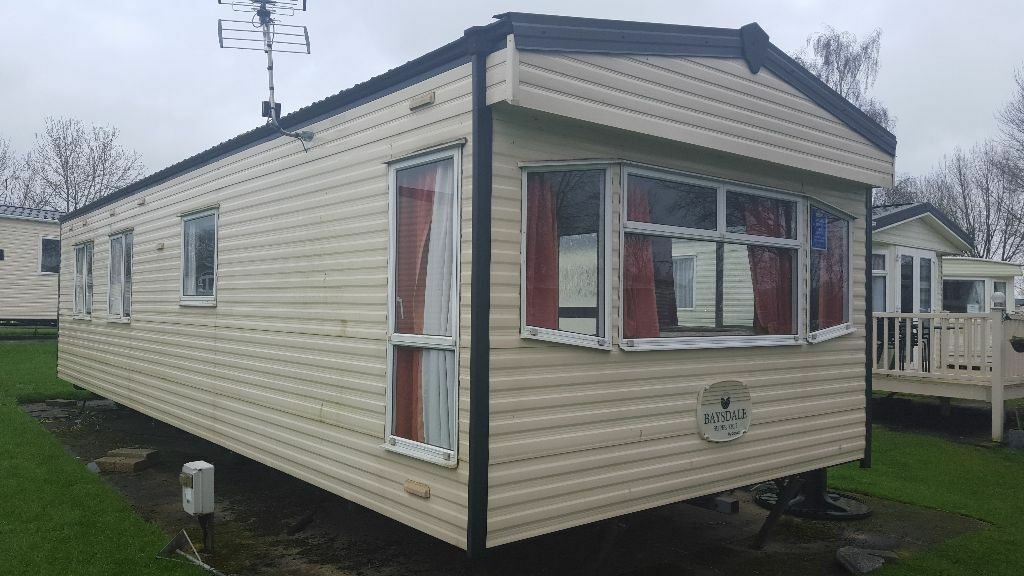 Pre Owned Static Caravan For Sale At Hoburne Cotswold Water Park Near