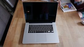 "Apple MacBook Pro Retina 15"" display (Intel Core i7 2.4 GHz, 8 GB RAM, 256 GB SSD, OS Sierra)"