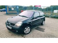 Renault Clio Low milage 1 year mot
