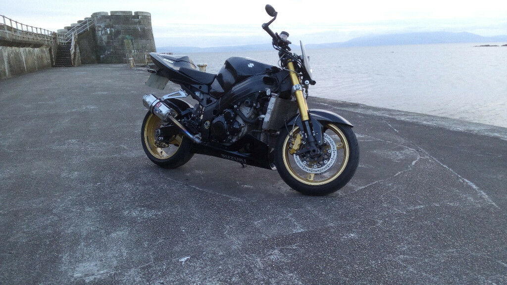 Evil 06 GSXR 1000 Streetfighter   Moto sportive, Moto