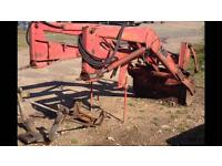 Massey Fergison MF 80 front end loader with Hydrolic tip comes with muck fork