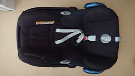 Cosi maxi child's car seat & base