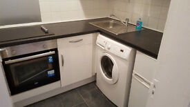 2 bed flat in Paisley Town Centre