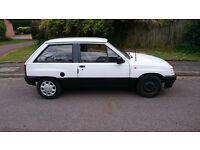 Vauxhall Nova 1.4 Luxe Model