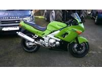 Kawasaki zzr600 full years mot